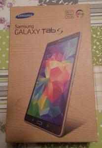 Die Verpackung des Galaxy Tab S 8.4